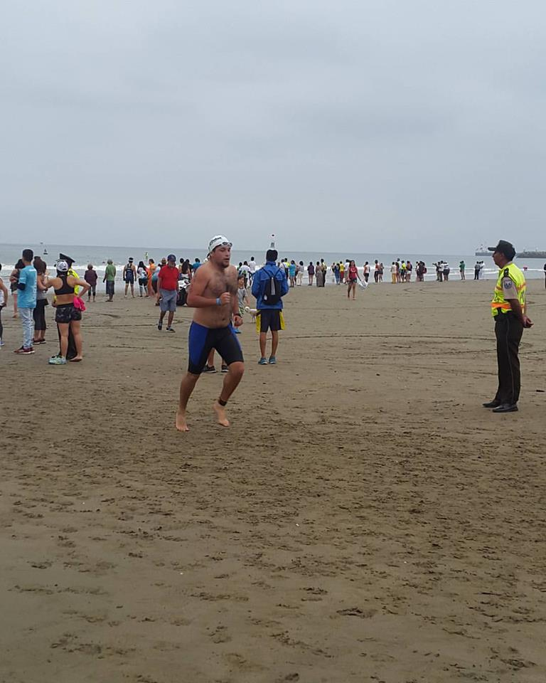 Fin de natation pour Xavier lors de l'Ironman d'Equateur