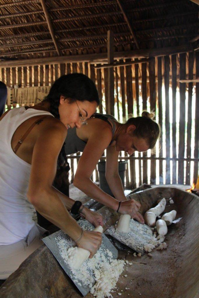 Cuisine locale, communauté indienne, Yuca, tradition, plat local et typique