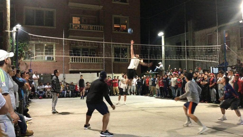 Très populaire à Quito, l'EcuaVoley attire toujours de nombreux spectateurs