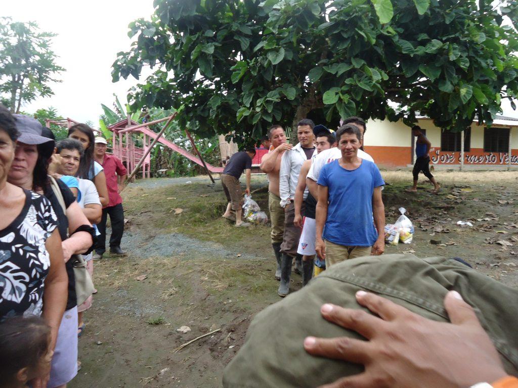 Aide après le tremblement de terre