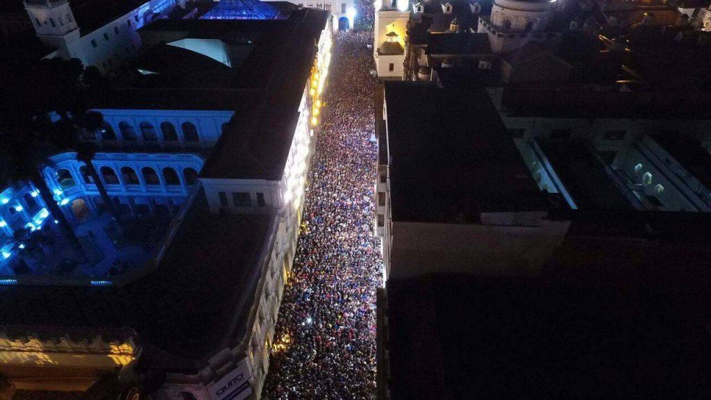 rues du centre historique, touristes et équatoriens