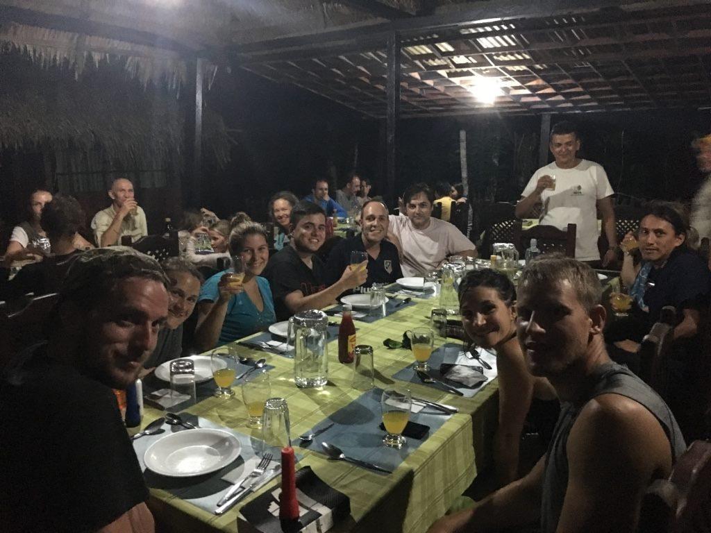voyageurs, dîner, nuit en Amazonie, Cuyabeno
