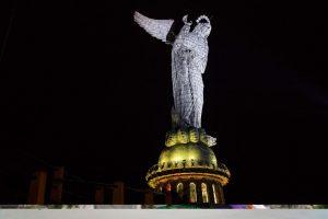 """La """"Virgen del Panecillo"""", symbole de la """"Carita de Dios"""""""