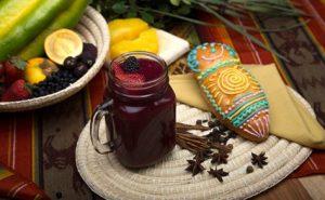 """La colada morada et les guaguas de pan, une délicieuse tradition très populaire en Équateur pour la fête des morts (""""Día de los Fieles Difuntos""""), la première semaine de novembre. Le Babaco en est l'un des ingrédients principaux!"""