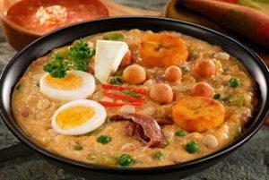 La Fanesca, plat emblématique de la semaine de Pâques en Équateur