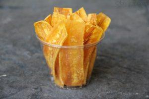Chifles, chips de banane plantain verte, typique d'Équateur