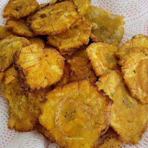 Patacones, banane plantain verte, Équateur