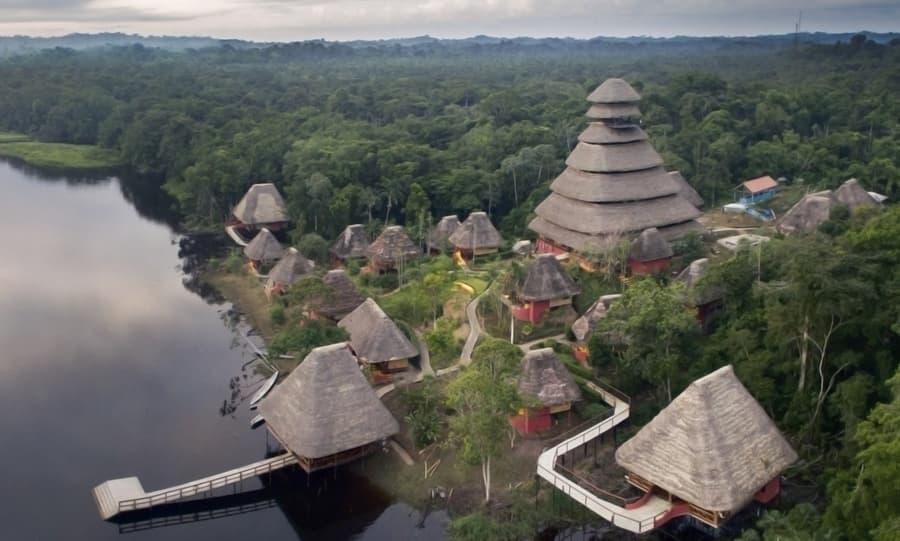Hôtel Napo Wildlife Center Lodge situé dans le Parc National Yasuni en Amazonie primaire, Équateur, vue aérienne extérieure