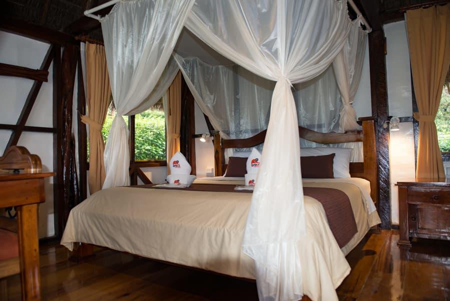 Hôtel Napo Wildlife Center Lodge situé dans le Parc National Yasuni en Amazonie primaire, Équateur, cabane