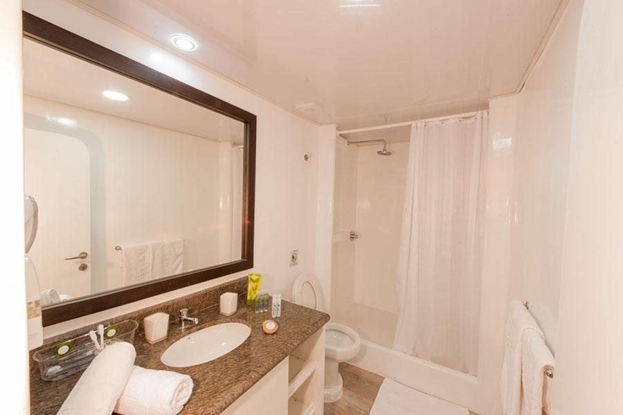 Croisière Galapagos Ecogalaxy, salle de bain
