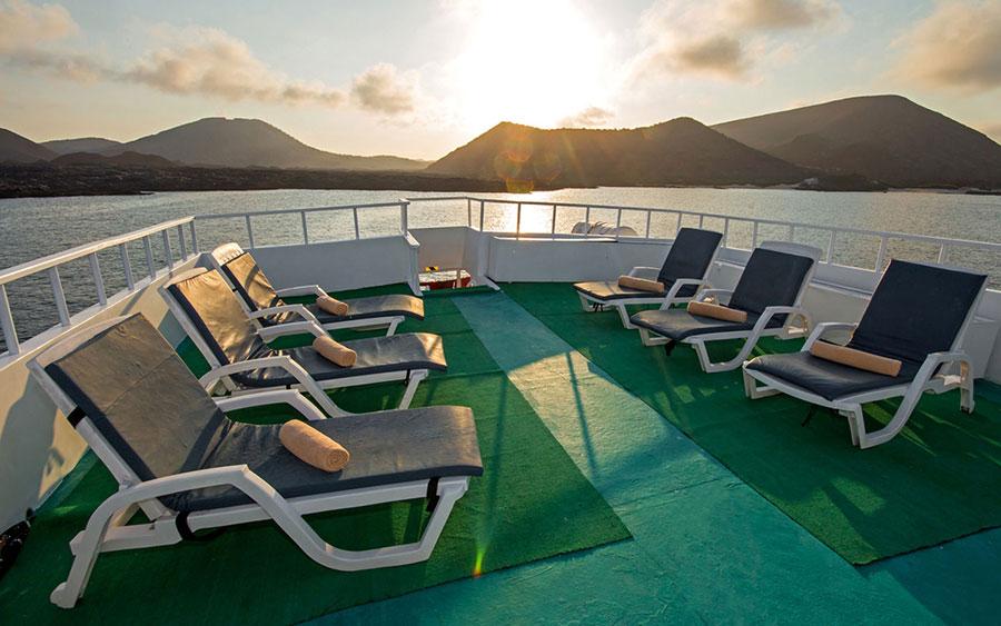 Croisière Galapagos Yolita, bain de soleil