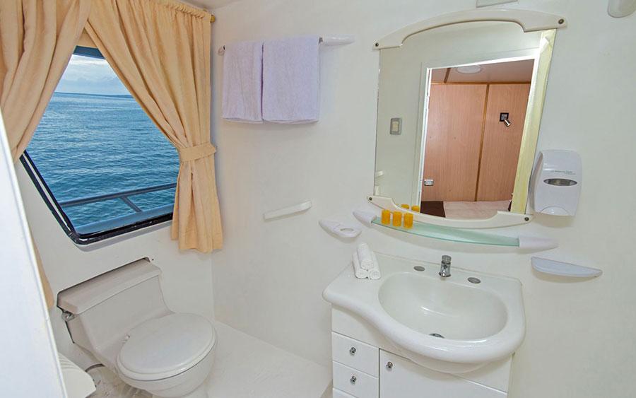 Croisière Galapagos Yolita, salle de bain