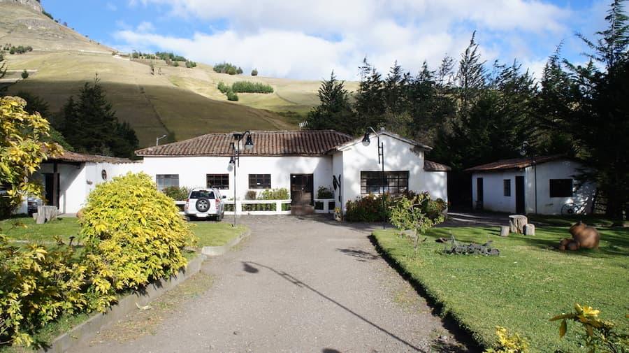 Hôtel Auberge Posada de Tigua, près de la lagune Quilotoa, Equateur, vue extérieure principale