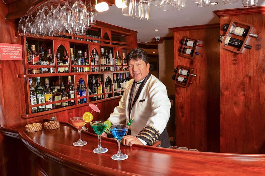 Croisière plongée Galapagos Sky, bar