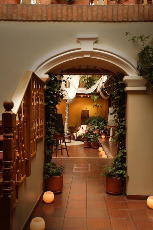 Hôtel colonial Carvallo, à Cuenca, Equateur, entrée dans le hall