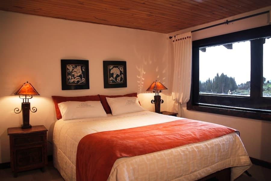 Hôtel Hacienda Dos Chorreras, à Cuenca, Equateur, chambre double matrimoniale romantique