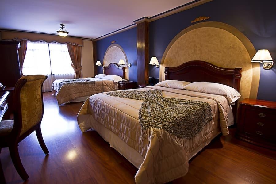 Hôtel San Juan, à Cuenca, Equateur, chambre double lits jumeaux king size