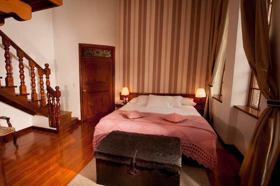 Hôtel Victoria, à Cuenca, Equateur, suite matrimoniale avec mezzanine