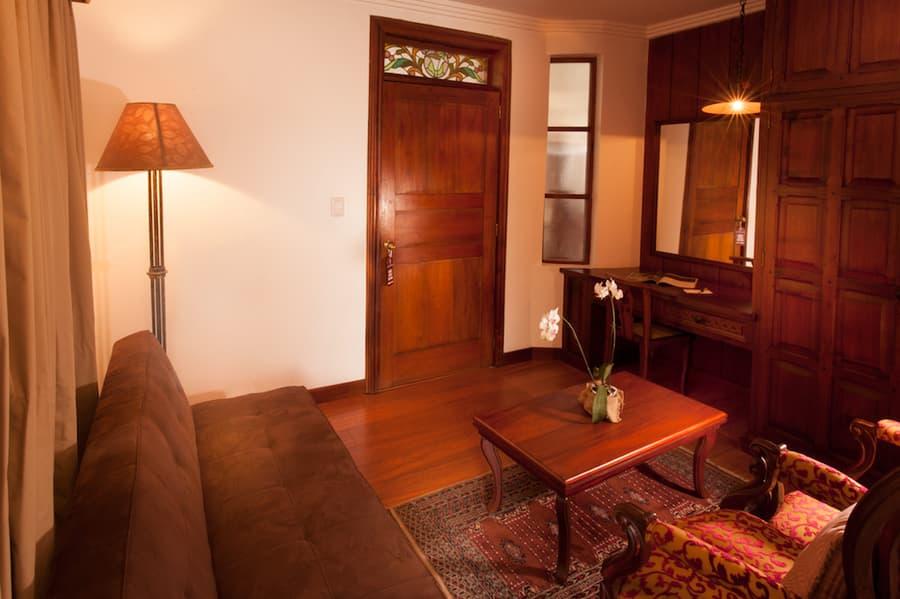 Hôtel Victoria, à Cuenca, Equateur, salon de la suite