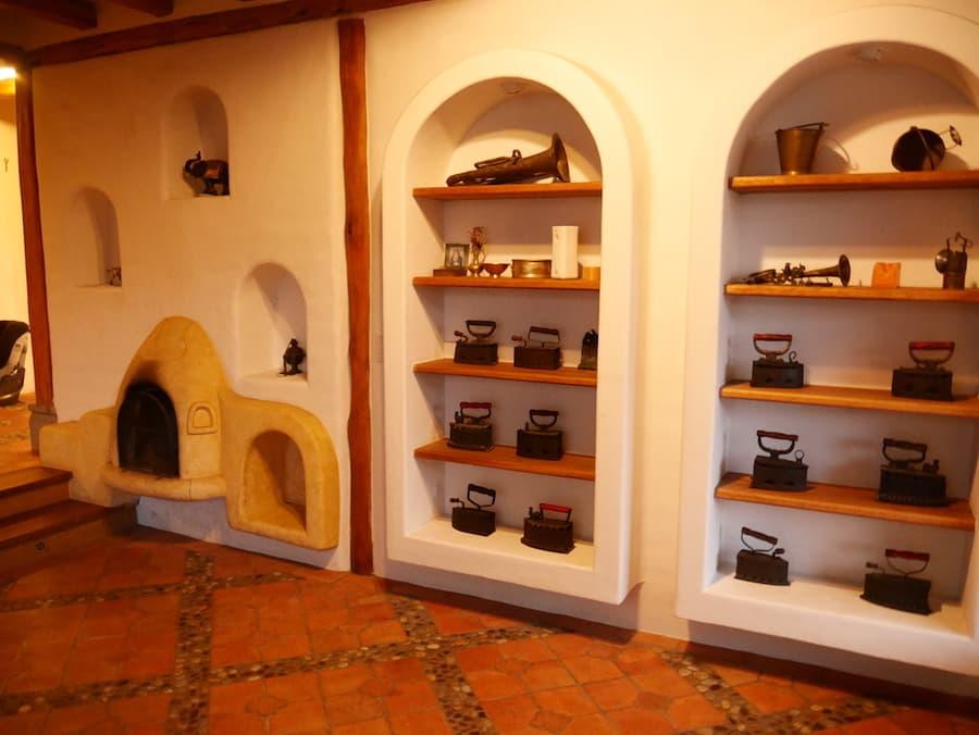 Hôtel Hacienda Los Mortiños, Parc Cotopaxi, Equateur, intérieur et entrée principale