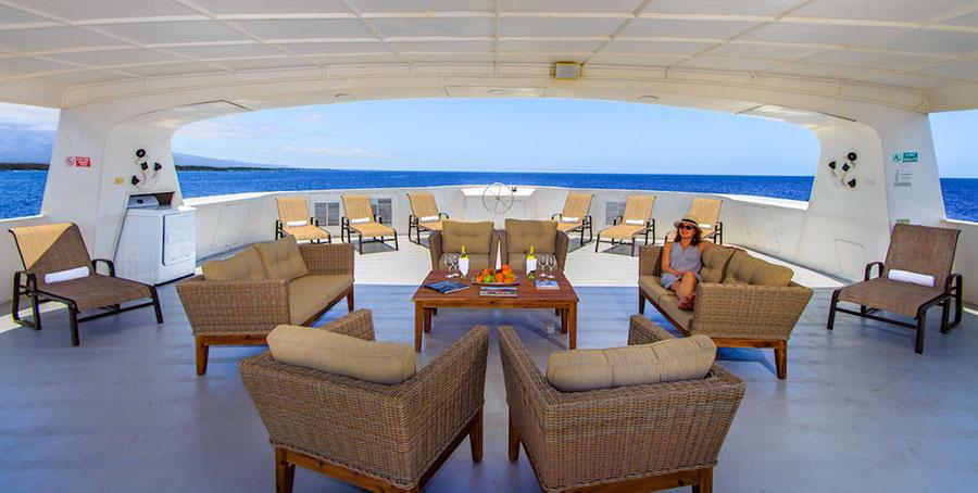 Croisière Treasure of Galapagos, salon extérieur