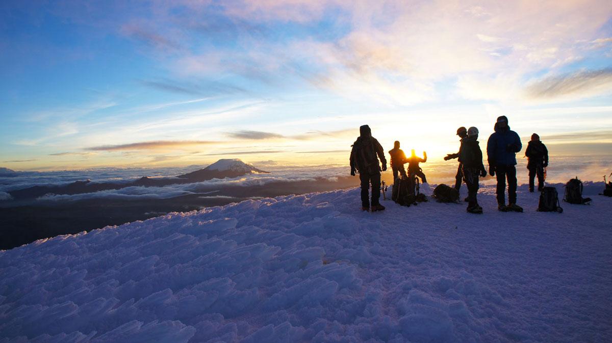 Volcan Cotopaxi: lever de soleil au sommet