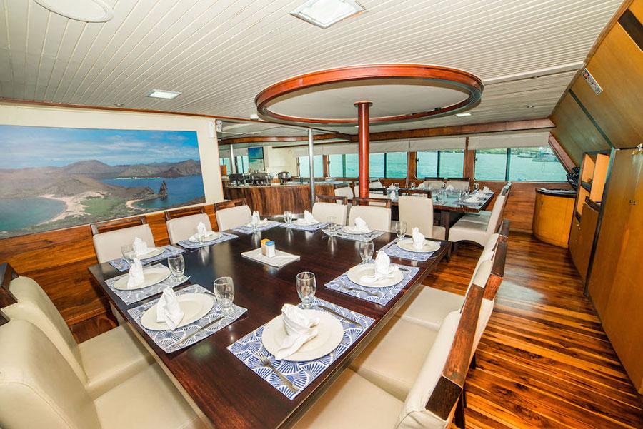 Croisière Galapagos Galaven, salle à manger