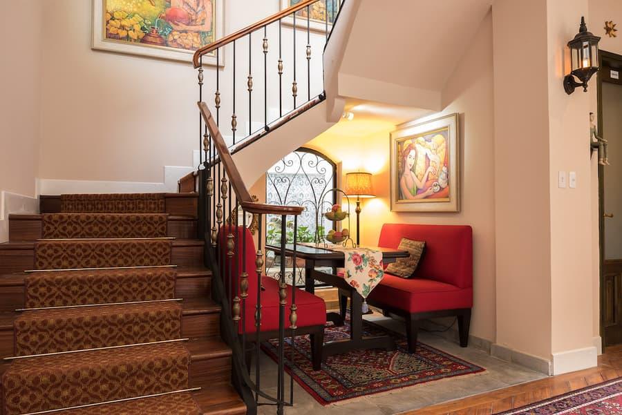 Hôtel Villa Colonna dans le centre historique de Quito, Equateur, Escalier intérieur