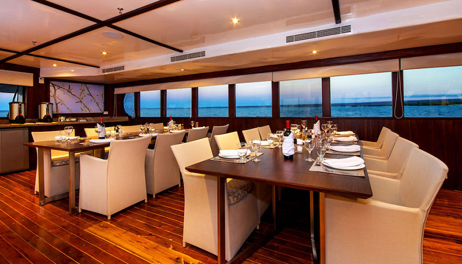 Croisière Galapagos Odyssey, salle à manger