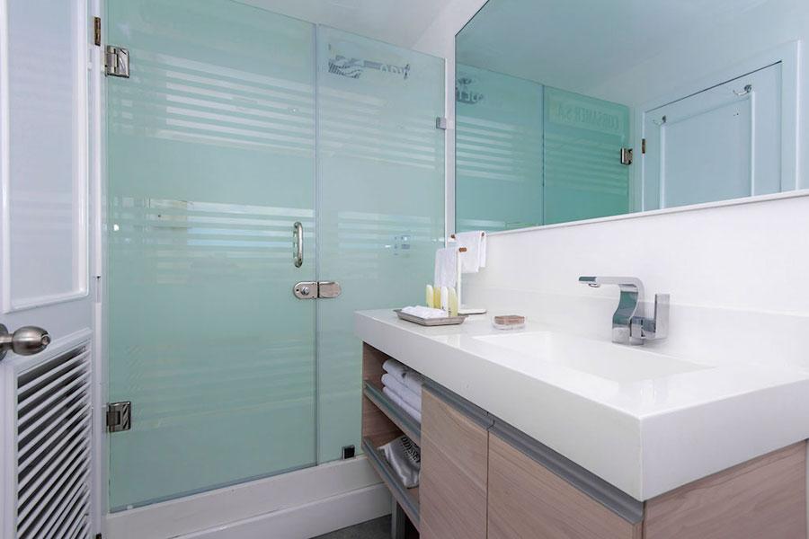Croisière Galapagos Odyssey, salle de bain
