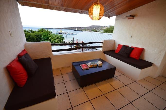 Hôtel Casa Opuntia, Île San Cristobal, Galapagos, Equateur, terrasse espace détente