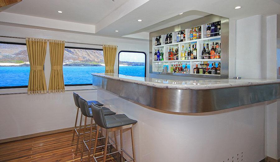 Croisière Galapagos Grand Queen Beatriz, bar