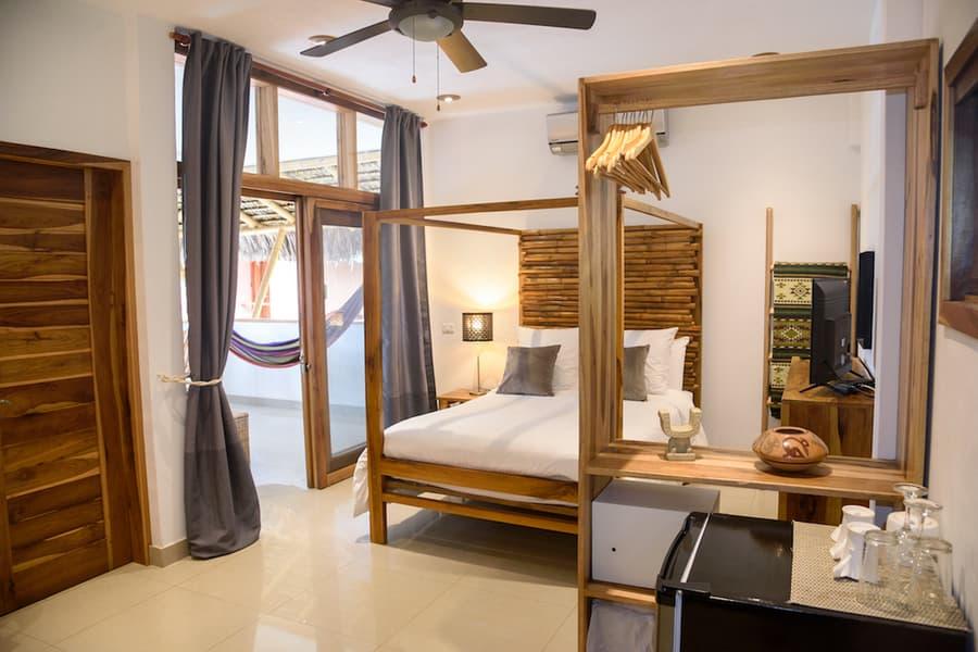 Lodge Nautilus, Puerto Lopez, côte Pacifique d'Equateur, chambre matrimoniale de la villa