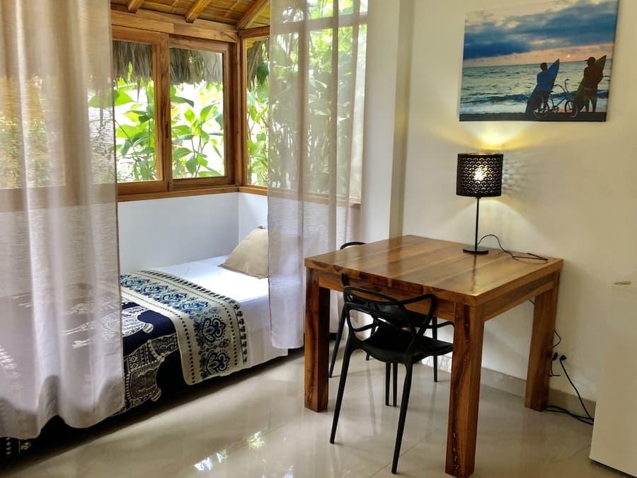Lodge Nautilus, Puerto Lopez, côte Pacifique d'Equateur, lit simple d'une villa familiale