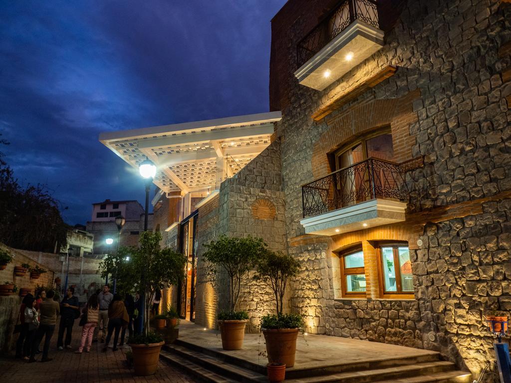 Façade arrière de l'hôtel Otavalo