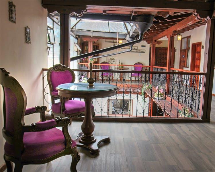 Intérieur (2ème étage) de l'Hôtel Colonial San Agustin à Quito