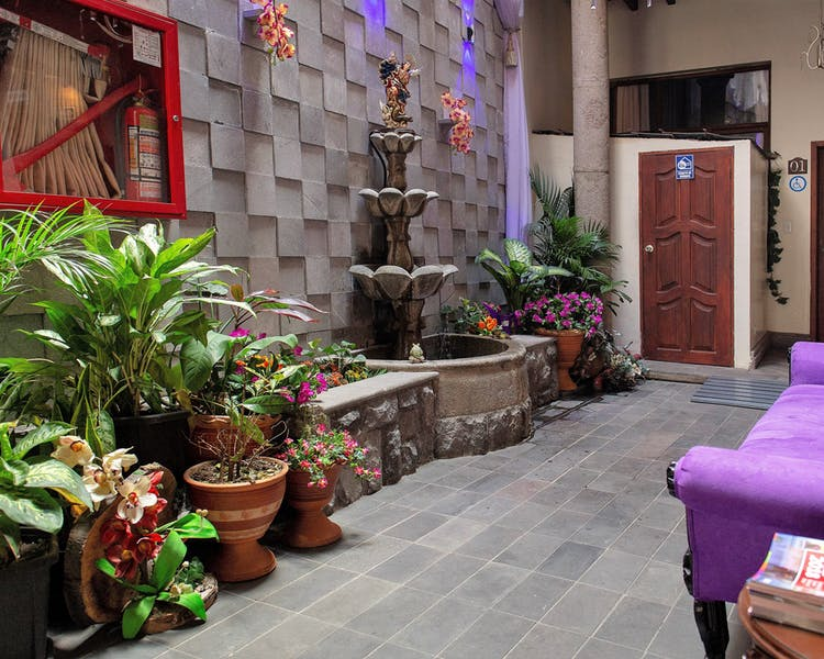 Lobby de l'Hôtel Colonial San Agustin à Quito