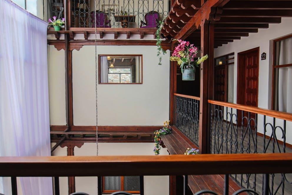 Intérieur (1er étage) de l'Hôtel Colonial San Agustin à Quito