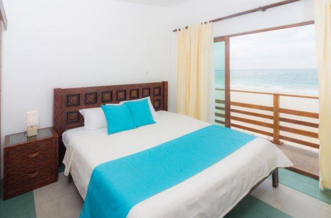 Hôtel Cormorant Beach House, sur l'île Isabela, aux Galapagos, Equateur, chambre double avec vue sur la mer