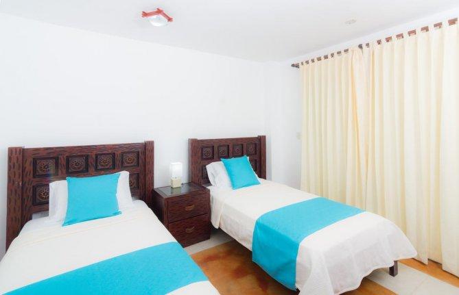 Hôtel Cormorant Beach House, sur l'île Isabela, aux Galapagos, Equateur, chambre standard avec vue sur la mer