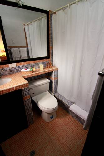 Salle de bains chambre standard de l'Hacienda Hato Verde