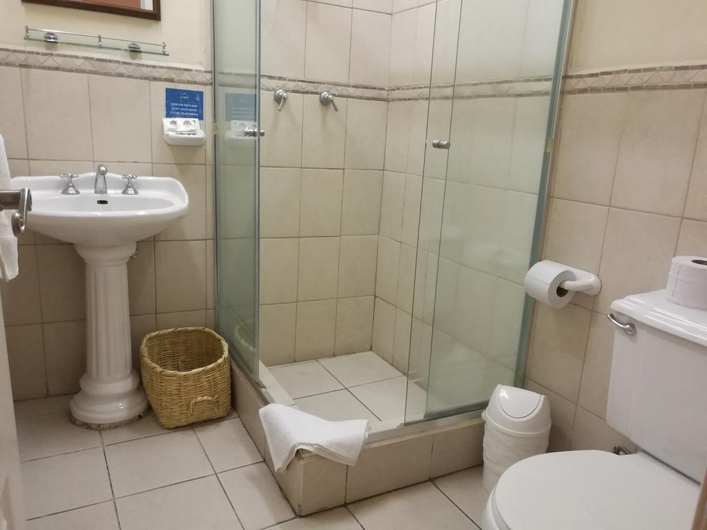 Hôtel Portal de Cantuña à Quito, Equateur, salle de bain