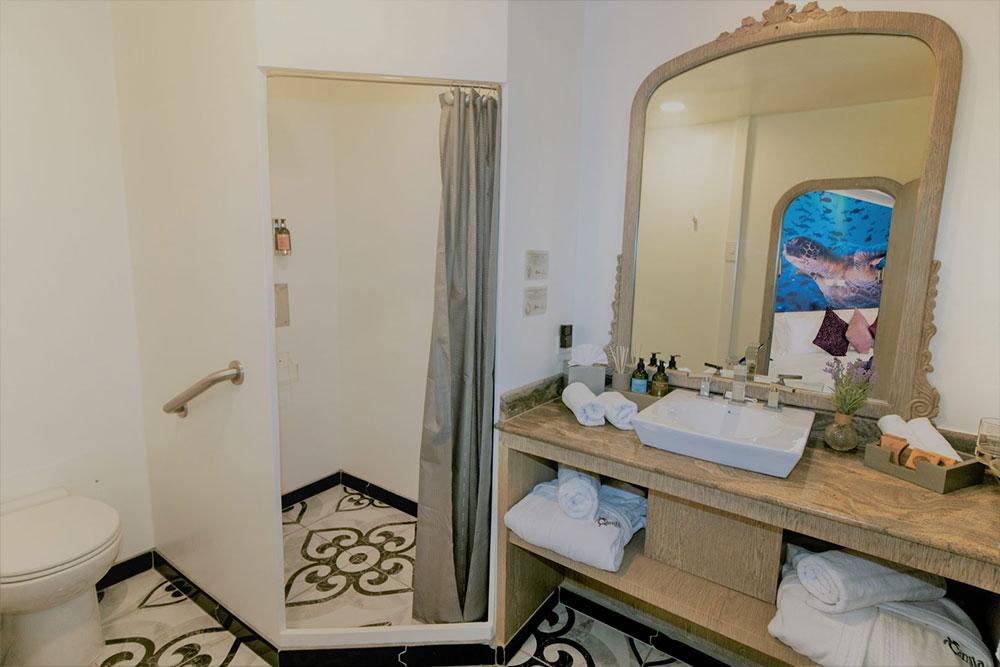 Croisière Camila Galapagos, salle de bain