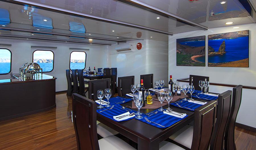 Croisière Natural Paradise Galapagos, salle à manger