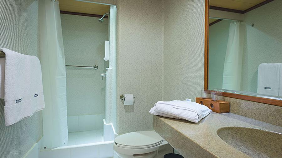 Croisière Seaman Journey Galapagos, salle de bain