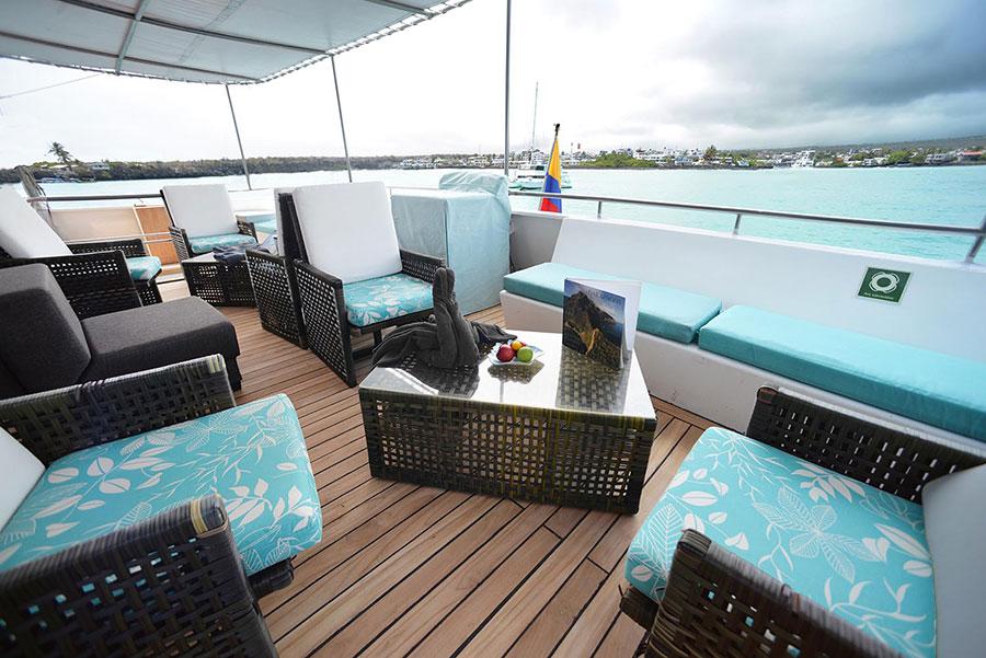 Croisière Seaman Journey Galapagos, salon extérieur