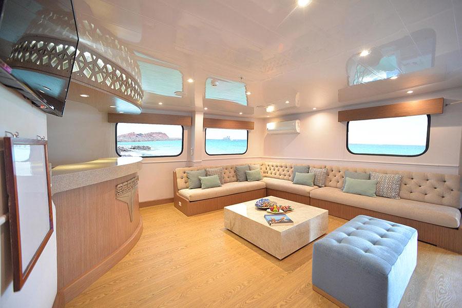 Croisière Seaman Journey Galapagos, salle TV