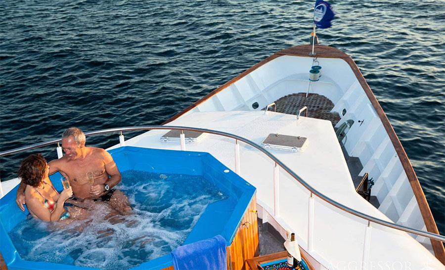 Croisière plongée Galapagos Aggressor, jacuzzi