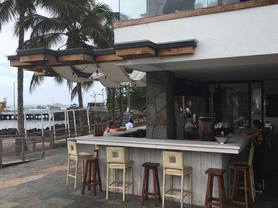 Hôtel Golden Bay aux Galapagos: bar