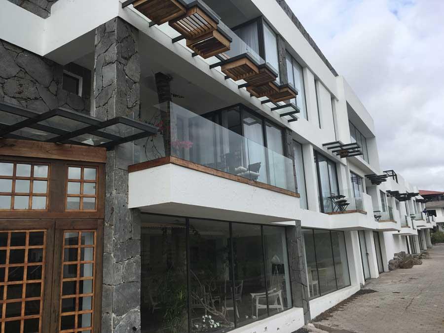 Hôtel Golden Bay aux Galapagos: façade